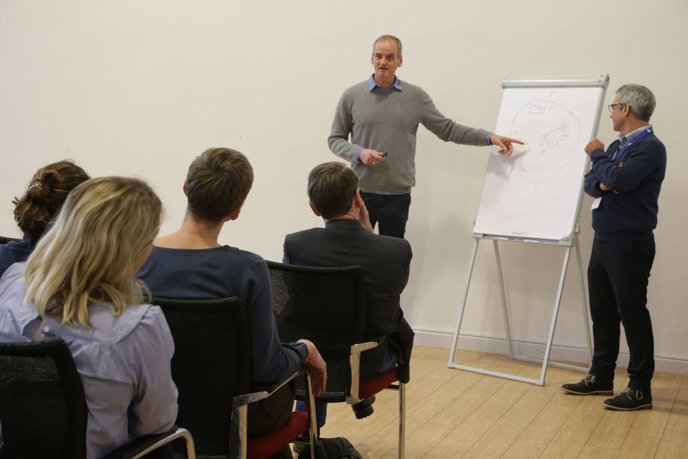 """Praxisforum """"Sportvereine als Bildungsakteure"""" mit Henning Harnisch"""