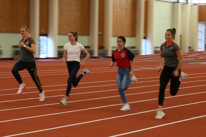 Berliner Leichtathletinnen beim Sprint
